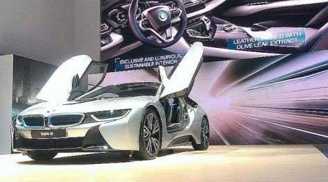 Mobil berteknologi plug in hybrid resmi dipasarkan di Indonesia dengan harga Rp 3,4 miliar