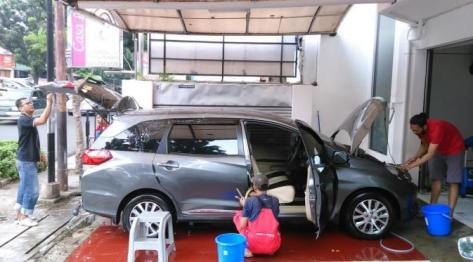 Coating bodi mobil pakai air